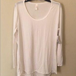 Lynnae Lularoe T-Shirt NWT